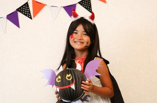 ハロウィン衣装の子ども