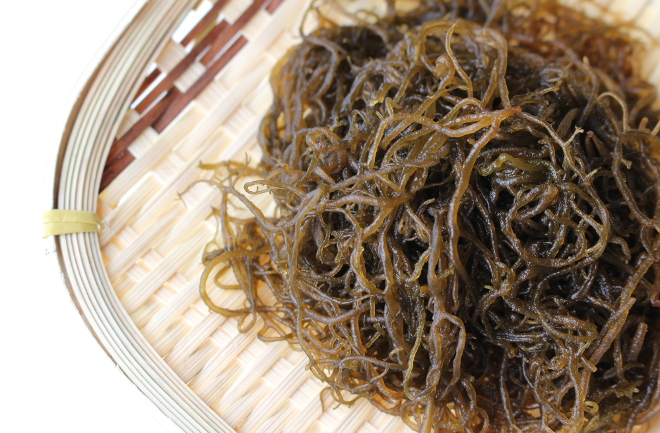 栄養満点の沖縄県産もずくを食べよう! 簡単おいしい炊き込みご飯をご紹介!   『SANCHU!』   イオン琉球株式会社