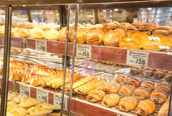並ぶたくさんのパン