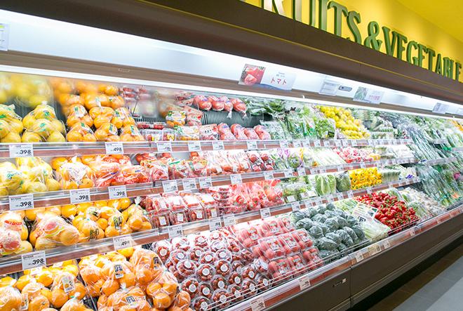 店頭に並ぶ野菜や果物