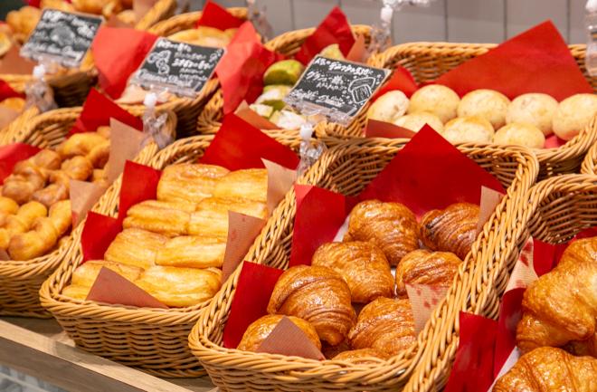 多種類のパン