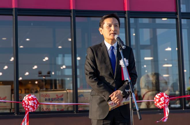 イオン琉球代表取締役の佐方圭二社長