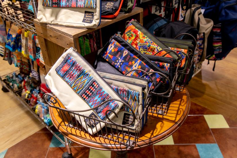 チチカカの複数のバッグ